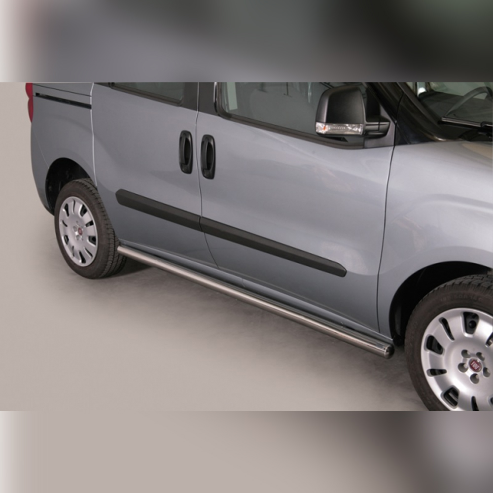 PROTECTIONS LATERALES INOX SUR FIAT DOBLO 2010-2015