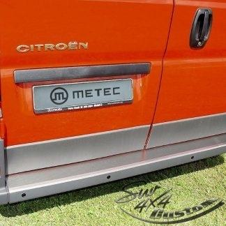 FIAT DUCATO 07+ PROTECTION DE SEUIL DE COFFRE EN INOX, PROTECTION PARE CHOC EP 1MM METEC III 2007-2013 100,00 € product_reduc...