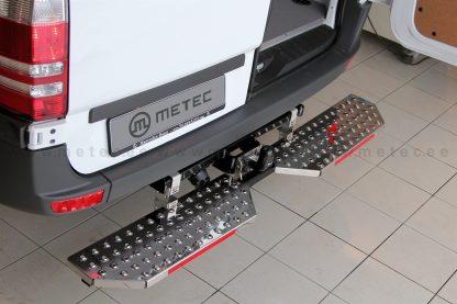FORD CONNECT 14- MARCHE-PIEDS DOUBLE L1700 EN INOX, SE MONTE SUR L'ATTELAGE METEC Transit Connect 330,00 € product_reduction_...