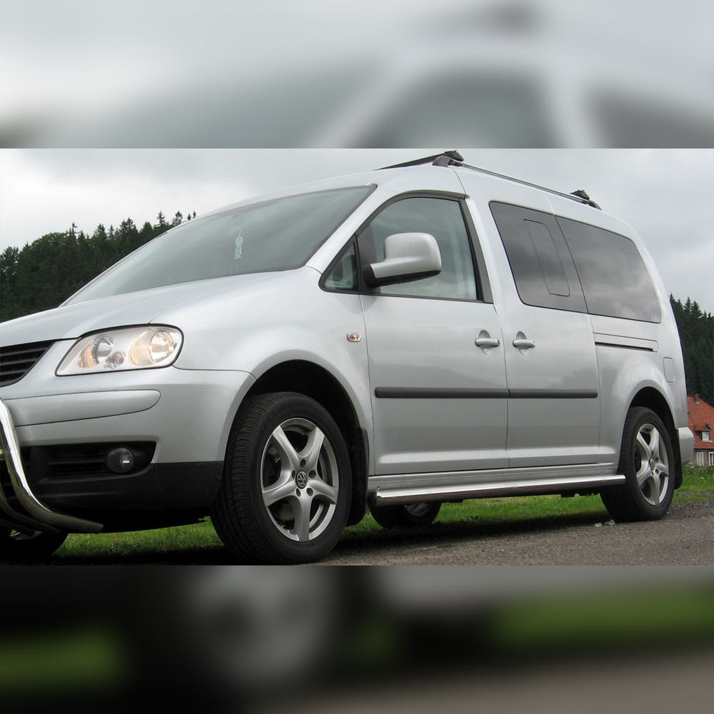 PROTECTIONS LATERALES INOX SUR VOLKSWAGEN CADDY 2003-2009
